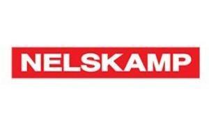 Firma Nelskamp swoją pierwszą fabrykę uruchomiła w Niemczech w miejscowości Schermbeck. Koncern swoje początki datuje na 1926r. Od tamtej pory firma stała się jednym z liderów Niemieckiego rynku pokryć dachowych. Zajmują się głównie produkcją dachówek ceramicznych oraz betonowych znanych z wysokiej jakości i pięknego wyglądu.